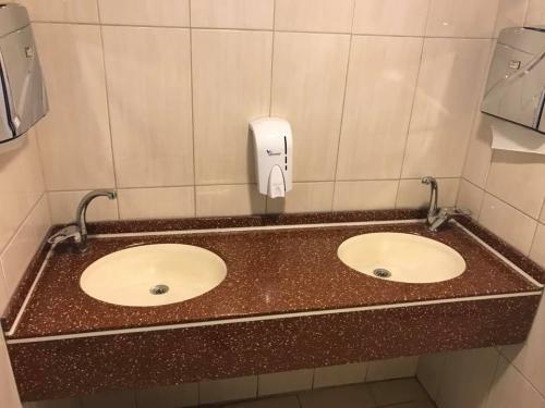 akrilik-banyo-tezgah