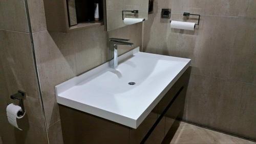 akrilik-banyo-tezgah10