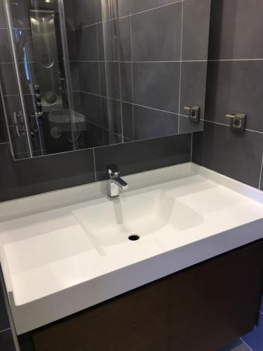 akrilik-banyo-tezgah28