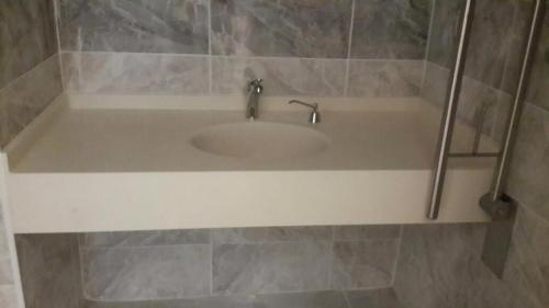 akrilik-banyo-tezgah5