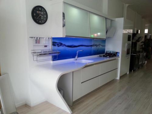 akrilik-mutfak-tezgah2